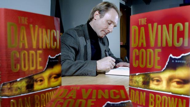 Dan Brown durante una firma de libros