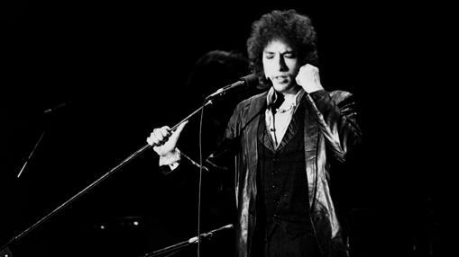 Bob Dylan, durante un concierto en París, en 1978