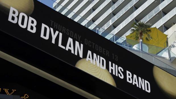 Vista del nombre de Bob Dylan en el edificio Cosmopolitan de Las Vegas unas horas antes de su actuación