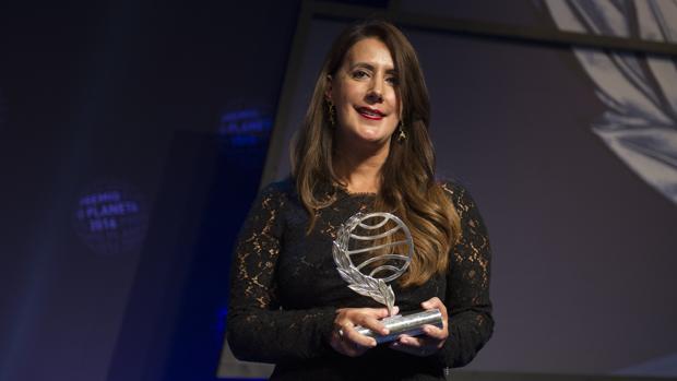 Dolores Redondo, ayer tras recoger el Premio Planeta