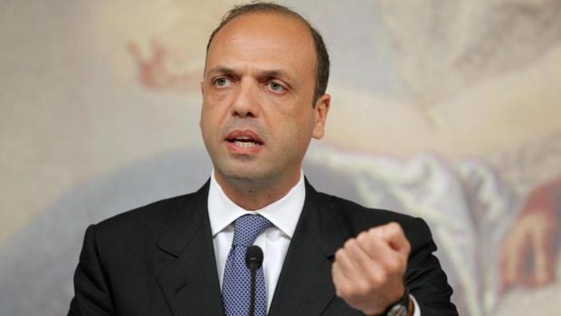 El ministro de Int erior italiano, Angelino Alfano, confirmó la conexión