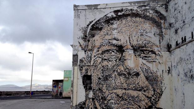 Una de las obras callejeras de Alexandre Farto, «Vhils»