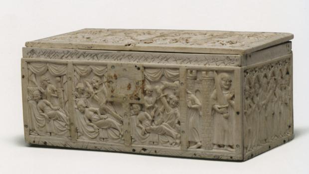 Cofre de la castellana de Vergi (Francia, 1320-1340, en marfil)