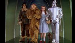 Judy Garland y los actores de «El mago de Oz»