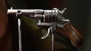 A subasta la pistola con la que Verlaine intentó asesinar a Rimbaud
