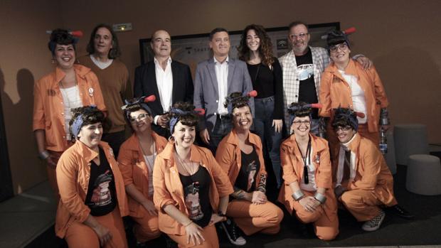 'La fiesta de los locos' abre su gira en el Central de Sevilla