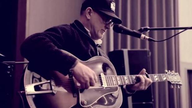 Kurt Wagner, durante un concierto de Lambchop