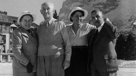 De izquierda a derecha, Margrit Rupf, Kahnweiler, una mujer sin identificar y Hermann Rupf