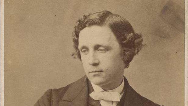 Lewis Carroll, autor de «La caza del carualo»