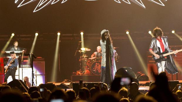 Aerosmith durante uno de sus conciertos