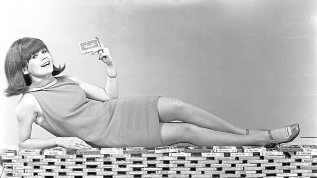 Cartel publicitario de 1968 para promocionar el casete como soporte