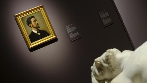 A la izquierda, Eduardo Rosales retratado por Federico de Madrazo. A la derecha, «Cristo yacente» para el que Agapito Vallmitjana empleó como modelo el rostro de Rosales