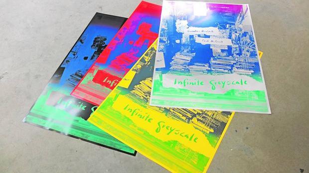 Serigrafías de Paul McDevitt y Cornelius Quabeck, patrones del sello Infinite Grayscale