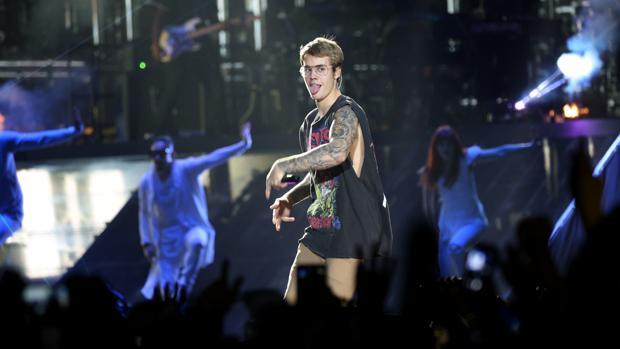 Justin Bieber durante la actuación que ha ofrecido en el Palau Sant Jordi
