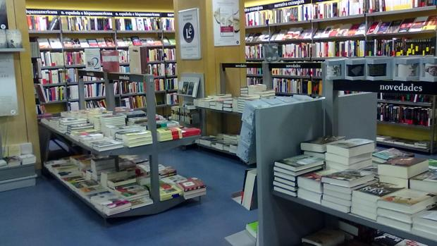 Fotografía del interior de la librería Lé