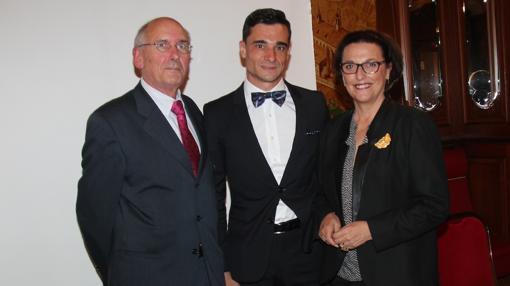 Paco Ureña, con Jean-Pierre Hédoin y Araceli Guillaume