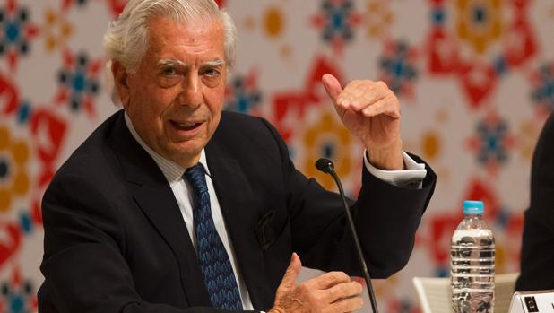 Vargas Llosa: «Tengo el triste privilegio de apagar la luz del 'boom'»