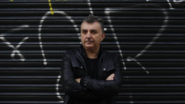 El escritor Manuel Vilas, autor de «Lou Reed era español»