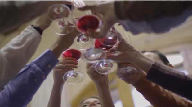 Momento del cortometraje «100 vendimias en familia», de bodegas Juan Gil