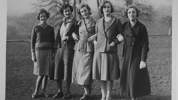 Jessica, Nancy, Diana, Unity y Pamela Mitford, fotografiadas en 1935
