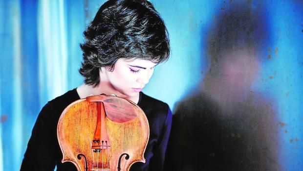 La violista Isabel Villanueva