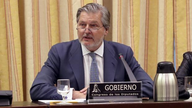 El ministro de Cultura, Íñigo Méndez de Vigo, durante su comparecencia ante la Comisión de Cultura del Congreso