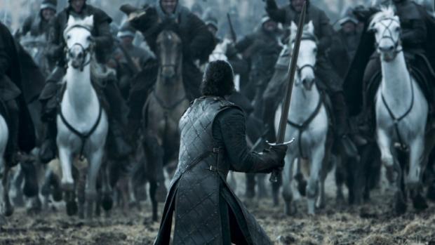 Fotograma de uno de los últimos capítulos de la adaptación televisiva de «Juego de Tronos»