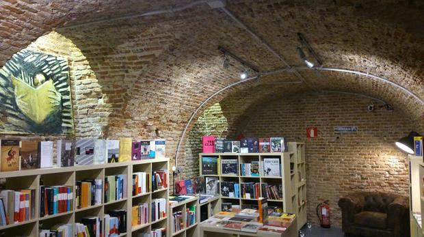 Fotografía del interior de la librería La Sombra, en Madrid