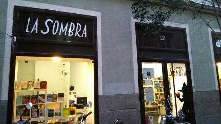 Fachada de la librería La Sombra, en Madrid