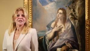 Carmen Thyssen, ayer en el Museo Thyssen junto a «La Magdalena penitente», del Greco, del Museo de Bellas Artes de Budapest