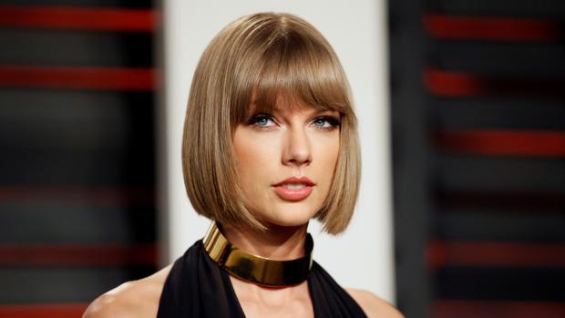 La cantante Taylor Swift el pasado mes de febrero en la fiesta de los Oscars de Vanity Fair, en Beverly Hills (California)