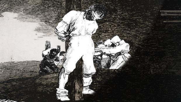 Detalle de «Cuando cuento estás solo tú... pero cuando miro hay solo una sombra», de Farideh Lashai, obra que se inspira en los «Desastres» de Goya