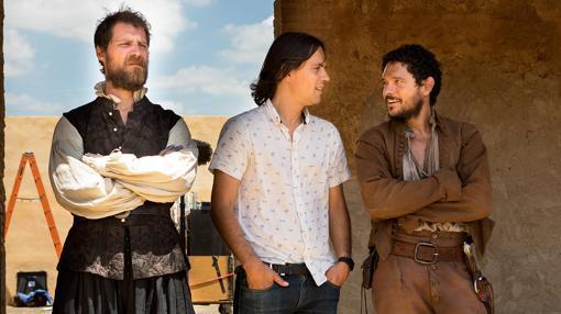 Rafael Cobos conversa con los actores de «La Peste»