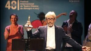 El actor José Sacristán tras recibir el XVII Premio Corral de Comedias, en Festival de Teatro Clásico de Almagro