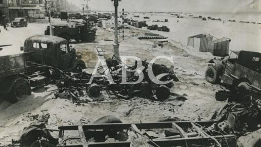 Vista de la playa e Dunquerke después de la retriada estratégica de los ingleses