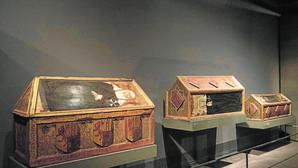 Vitrinas del Museo de Lérida, en el que se encuentra el «tesoro de Sijena»