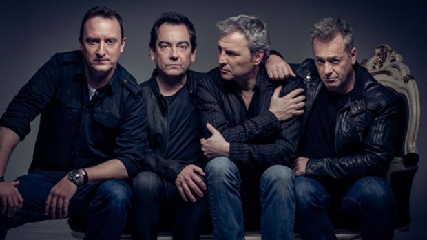 Hombres G grabó su primer disco en 1985, que incluía canciones como «Venezia» o «Lawrence de Arabia»