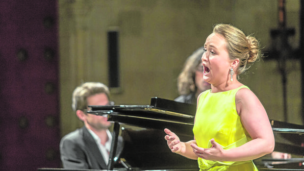 La soprano Julia Lezhneva durante el concierto
