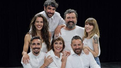 El elenco de «La comedia de las mentiras», con otros rostros también televisivos como María Barranco o Paco Tous