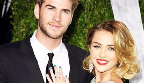 La cantante Miley Cyrus junto a su pareja, Liam Hemsworth