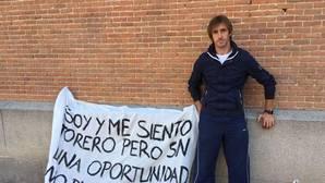 Javier Velázquez esta mañana a las puertas de la empresa que gestiona la Plaza de las Ventas