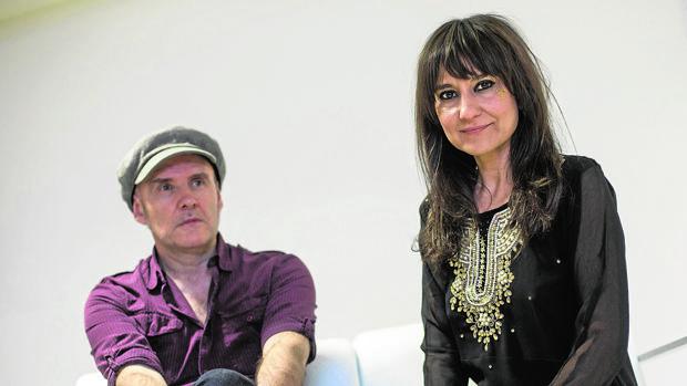 El guitarrista Juan Aguirre y la cantante Eva Amaral