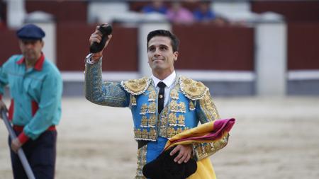 José Carlos Venegas paseó la única oreja de la tarde