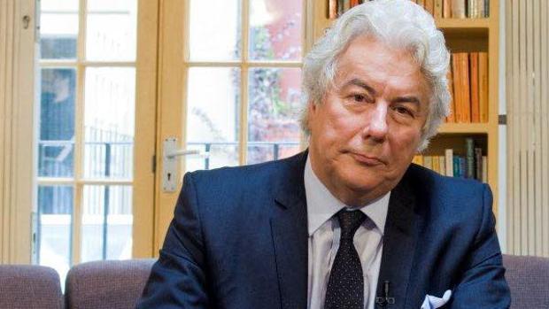 El escritor Ken Follet