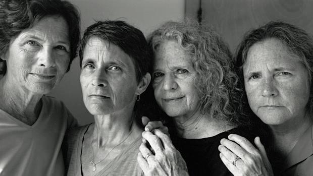La serie de las hermanas Brown fue el salto de Mapfre a la fotografía en su colección. Su autor lleva 42 años haciendo la misma foto. Arriba, la de 2016