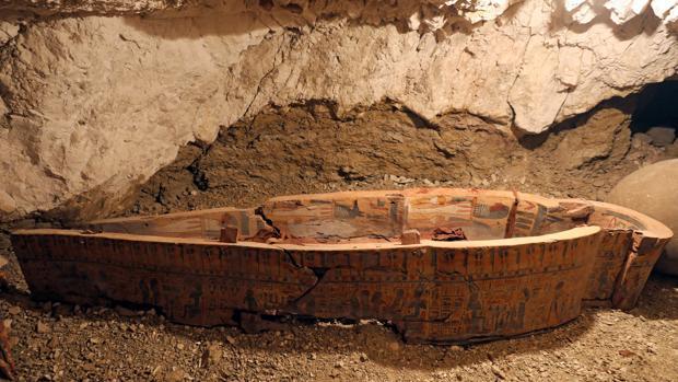Un sarcófago descubierto en la tumba de Amenemhat