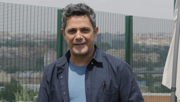 Alejandro Sanz en apoyo al Carnaval de Cádiz