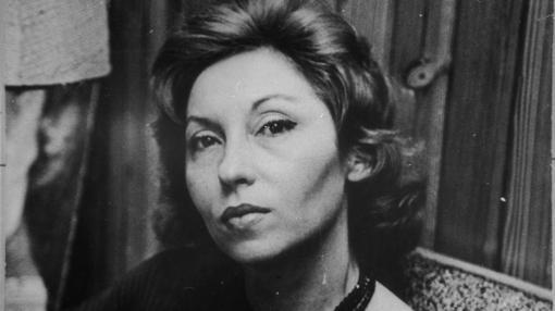 Su belleza era magnética, como si fuera una actriz de cine metida a escritora (o viceversa)