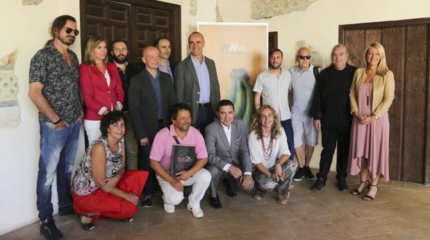 Muñoz y Ojeda junto a promotores y patrocinadores del festival