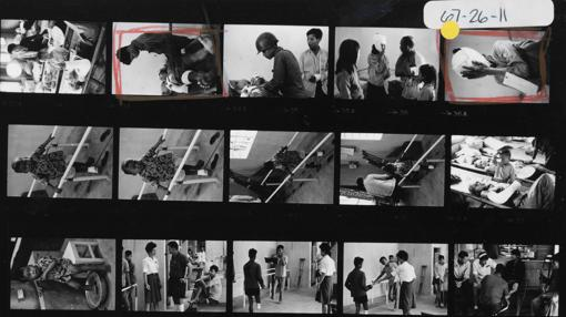 «Civil vietnamita herida», de Philip Jones Griffiths. Vietnam, 1967. Hoja de contacto